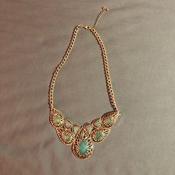 Forever 21 Jewelry - gold and teal necklace